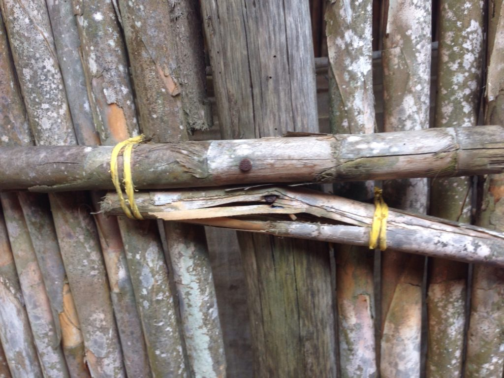 Twine that holds the pieces of the Kuna house together