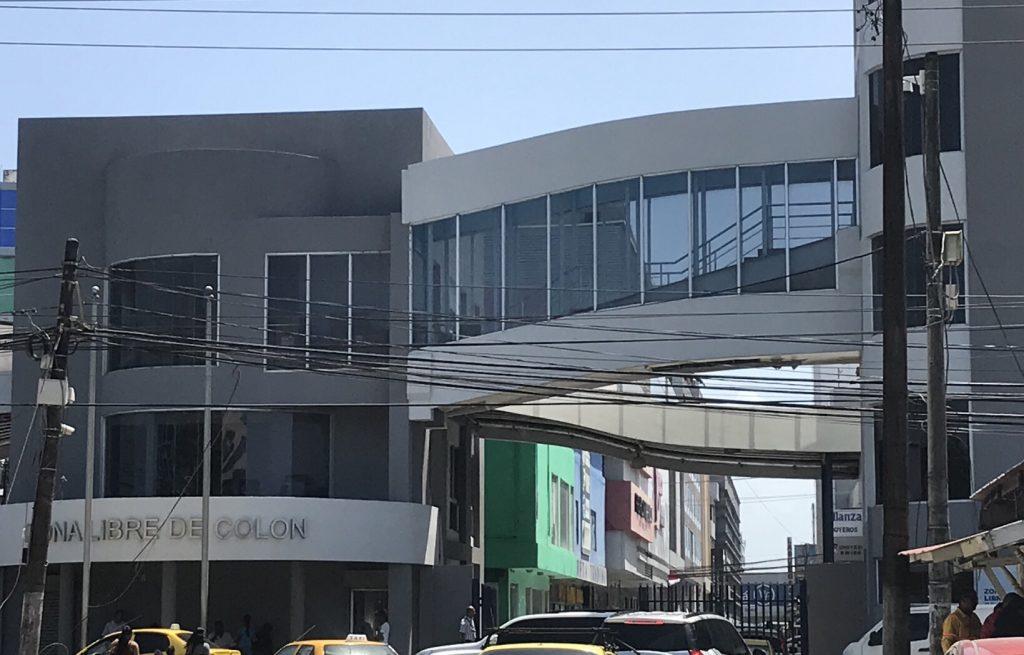 Zona Libre entrance.